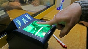 foreigners-biometric-fingerprinting-russian